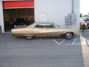 Gary's 430 cubic inch - four barrel carburtor 67 Buick Wildcat